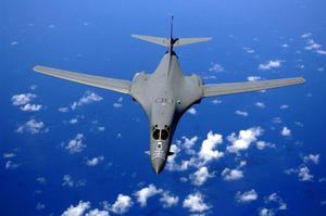 Mỹ điều máy bay ném bom hạng nặng B-1 qua phía Bắc Nga, Moscow lên tiếng
