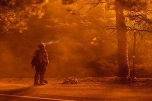Thảm họa cháy rừng ở Mỹ: Hàng chục người chết, mất tích