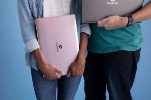 Thương hiệu 'bò sữa Gateway' tái xuất với laptop... siêu cải tiến