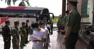 Trục xuất 113 công dân Trung Quốc qua Cửa khẩu Quốc tế Lào Cai
