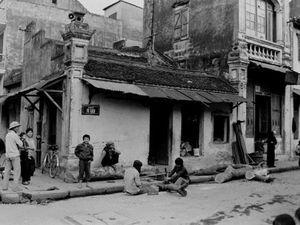 Bồi hồi trở lại Hà Nội những năm 1980 qua bộ ảnh hiếm của nhà ngoại giao Anh