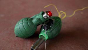 Thiết bị định vị có hình lựu đạn giúp bảo vệ phụ nữ Ấn Độ