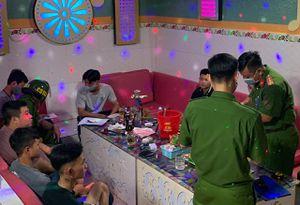 8 người dương tính với ma túy trong quán karaoke