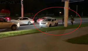 Tài xế taxi giúp người biểu tình thoát khỏi cảnh sát ở Belarus
