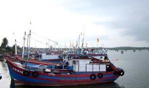 Quảng Nam: Áp thấp đe dọa trên biển, 129 tàu cá, gần 3.400 ngư dân vẫn còn ở ngoài khơi