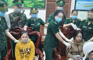 Bắt 2 cô gái trẻ vận chuyển 1kg ma túy tổng hợp