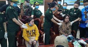 Hai nữ quái bị bắt cùng 1kg ma túy tại hầm Hải Vân