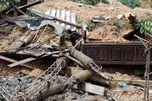 Quảng Trị: Sạt lở đất vùi lấp một gia đình gồm 6 người