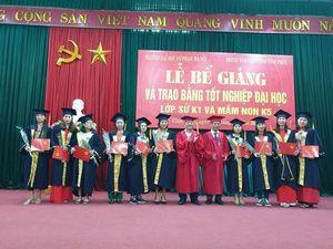Vĩnh Phúc: Trường ĐHSP Hà Nội trao bằng tốt nghiệp Đại học lớp Sử K1 và Mầm Non K5
