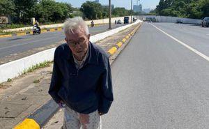 Cụ ông 87 tuổi đãng trí đi lạc ở Hà Nội được công an đưa về nhà