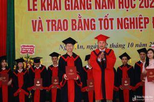 Trường Đại học Sư phạm Kỹ thuật Vinh chào đón hơn 1.800 tân sinh viên