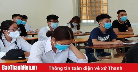 Thanh Hóa tặng Bằng khen cho 12 học sinh xuất sắc trong Kỳ thi Tốt nghiệp THPT 2020