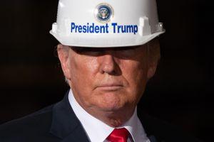 'Mang việc làm trở lại nước Mỹ' - lời hứa bất thành của ông Trump