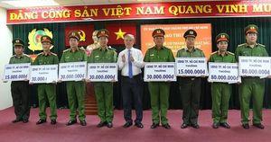 UBND TP HCM khen thưởng chiến công lớn của Công an TP