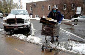 Hàng triệu người Mỹ thiếu đói giữa mùa bầu cử
