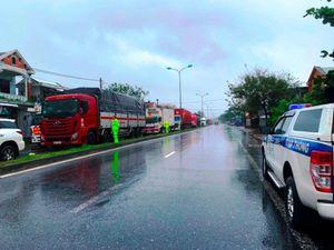 Tình người trong mưa bão ở thị trấn Lăng Cô