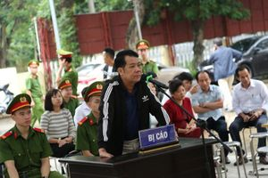 Giám đốc rút súng dọa tài xế ở Bắc Ninh lĩnh án 18 tháng tù
