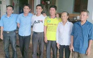 Nam thanh niên phụ hồ lao mình xuống sông Lam, cứu 3 người trong cùng một gia đình bị lật thuyền
