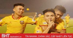 Hồng Lĩnh Hà Tĩnh chia điểm với đội chủ sân Bình Dương
