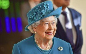 Quy định nghiêm ngặt về việc chuẩn bị bồn tắm của Nữ hoàng Anh