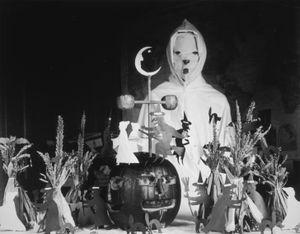 Nguồn gốc của việc hóa trang rùng rợn trong Halloween