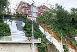Đà Lạt: Đào khoét, san gạt đất bừa bãi, nhiều nơi bị sạt lở