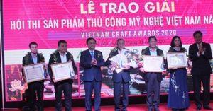 Trao giải Sản phẩm thủ công mỹ nghệ Việt Nam năm 2020
