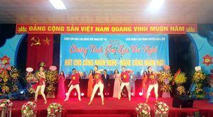 Tổ chức 'Hát cho công nhân nghe - Nghe công nhân hát'