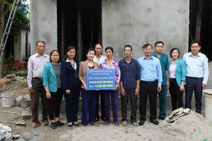 TX Quảng Yên: Trao hỗ trợ xây 'Mái ấm tình thương'
