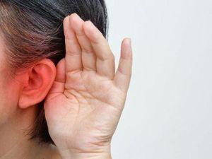 Phục hồi thính giác cho bé gái bị ăn mòn xương tai