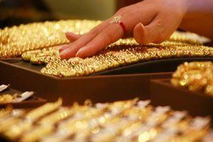'Giá vàng vẫn sẽ tăng từ từ lên 2.000 USD/ounce'