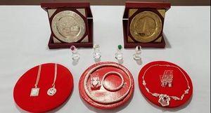 Đà Nẵng tiếp nhận nhiều hiện vật kim hoàn cổ được các nghệ nhân làng nghề hiến tặng