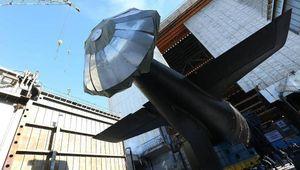 Tàu ngầm tối tân của Nga khoe sức mạnh vũ bão trên biển