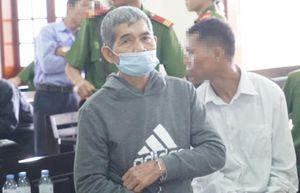 Ông già 70 hiếp dâm 2 bé gái 8 tuổi bị phạt 18 năm tù
