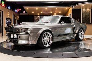 Ngắm Ford Mustang cổ điển 'mượn hồn' GT Convertible 2011