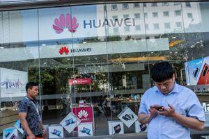 Google mạnh tay chặn thiết bị Huawei?