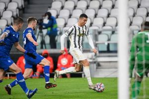 Ronaldo lại lập kỷ lục