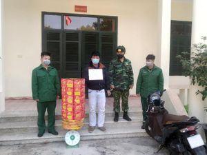 Bắt giữ đối tượng vận chuyển trái phép hơn 50 kg pháo từ Trung Quốc về Việt Nam