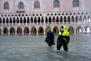 Venice ngập hơn 1 m vì hệ thống chắn lũ không hoạt động