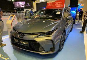 Giá xe ô tô hôm nay 13/12: Toyota Corolla Altis thấp nhất 733 triệu đồng