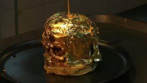 Bánh burger dát vàng 24K