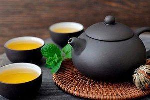 Tác hại khó lường khi uống trà lúc đói