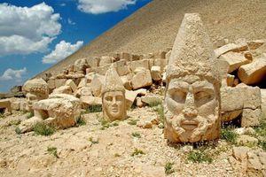 Kinh ngạc những bức tượng cổ nổi tiếng nhất thế giới