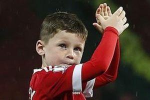 Con trai Rooney ký hợp đồng với Man Utd