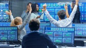 Tin nhanh thị trường chứng khoán ngày 18/12: VN Index lại 'bay cao'