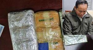 Chặn 2 bánh heroin và 12.000 viên ma túy từ miền núi về vùng biển