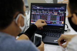 Thanh khoản phiên giao dịch 11/1 đạt kỷ lục gần 1 tỷ USD