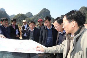 Chủ tịch UBND tỉnh Nguyễn Tường Văn kiểm tra thực hiện quy hoạch 2 bên tuyến đường bao biển Hạ Long – Cẩm Phả