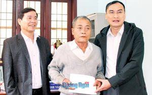Tỉnh ủy, HĐND, UBND, Ủy Ban MTTQ Việt Nam tỉnh: Thăm, tặng quà Tết cho gia đình chính sách, hộ nghèo