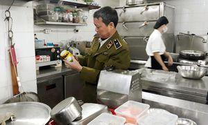 Hà Nội: Nhà hàng Le Garden Restaurant 143 Triệu Việt Vương không có giấy chứng nhận cơ sở đủ điều kiện ATTP